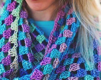 Lily's Sweetheart Cowl crochet pattern