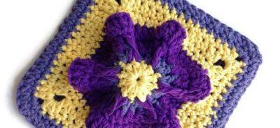 Penelope's Pretty Petunia Potholder, free crochet pattern on SimplyCollectibleCrochet.com