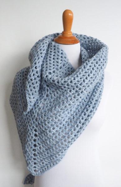 Wine Country Triangle Shawl #crochetpattern #crochetshawl #crochetlove #crochetaddict