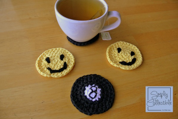 8-ball Cup Holder Liner Free Crochet Pattern by Simply Collectible