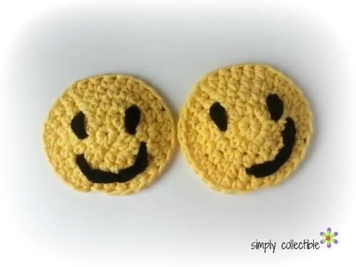 Smiley Applique Coaster or Cup Holder Liner Free #crochet pattern