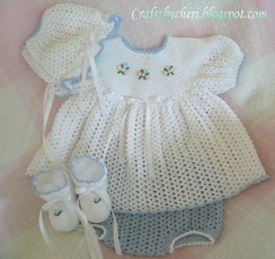 24 patterns in this Crochet Dress Roundup compiled by SimplyCollectibleCrochet.com | cheri