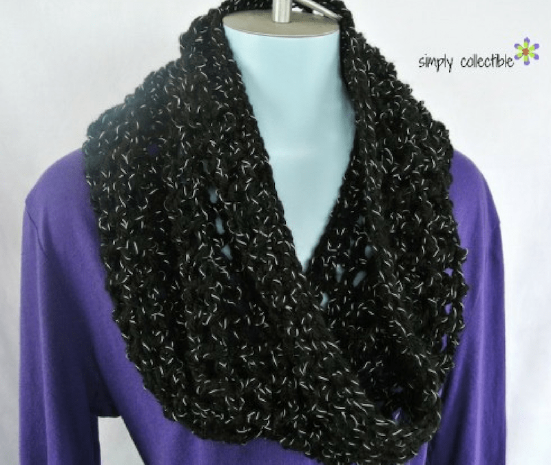 Coraline on Times Square Free Cowl Crochet Pattern