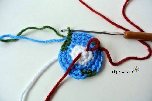 Give him the world - Earth Amigurumi Free #crochet pattern from Simply Collectible - Tutorial 3