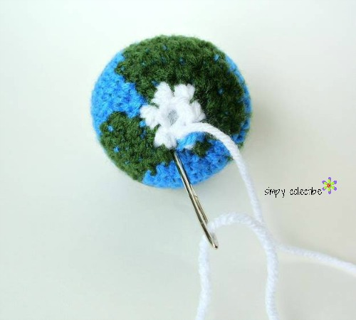 Give him the world - Earth Amigurumi Free #crochet pattern from Simply Collectible - Tutorial 6