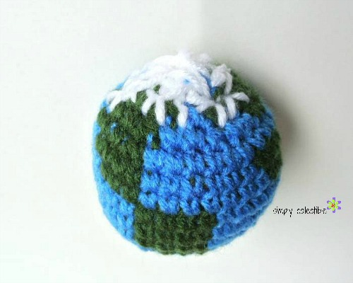 Give him the world - Earth Amigurumi Free #crochet pattern from Simply Collectible - Tutorial 7