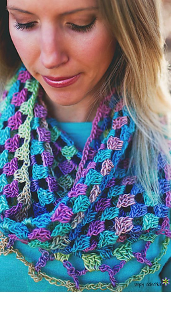 Lily's Sweetheart Cowl - Free Crochet Pattern by Celina Lane, SimplyCollectibleCrochet.com