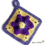 Penelope's Pretty Petunia Potholder, free crochet pattern on SimplyCollectibleCrochet.com