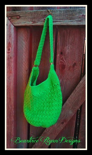 10 Free and Fabulous Bag and Tote crochet patterns, compiled by SimplyCollectibleCrochet.com