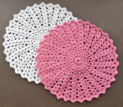 Crochet Shell Doily - Crochet doily patterns are unique and a great investment of time. They take skill and attention to detail and are perfect for relaxing. #crochetpatterns #crochetdoilypatterns #freecrochetpatterns #crochetaddict
