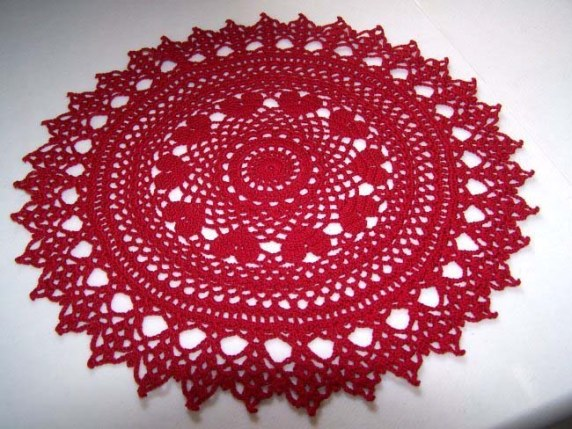 Valentine Ring of Hearts Crochet Doily - Crochet doily patterns are unique and a great investment of time. They take skill and attention to detail and are perfect for relaxing. #crochetpatterns #crochetdoilypatterns #freecrochetpatterns #crochetaddict