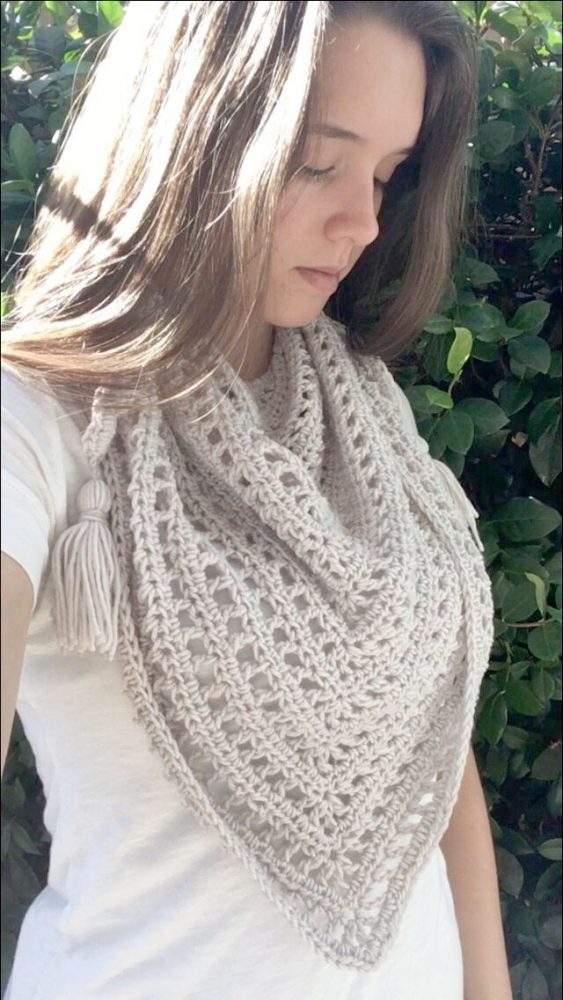 Boho Triangle ScarfThis list of free scarf patterns has crochet for beginners. Choose between these free crochet patterns and get to work on a project you can be proud of. #CrochetScarfPatterns #CrochetScarf #FreeCrochetPatterns