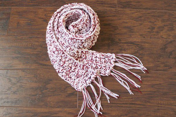 Chunky ScarfThis list of free scarf patterns has crochet for beginners. Choose between these free crochet patterns and get to work on a project you can be proud of. #CrochetScarfPatterns #CrochetScarf #FreeCrochetPatterns