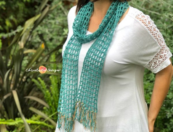 Skinny Summer ScarfThis list of free scarf patterns has crochet for beginners. Choose between these free crochet patterns and get to work on a project you can be proud of. #CrochetScarfPatterns #CrochetScarf #FreeCrochetPatterns