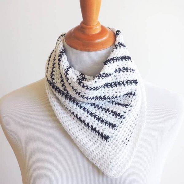 Striped Neck ScarfThis list of free scarf patterns has crochet for beginners. Choose between these free crochet patterns and get to work on a project you can be proud of. #CrochetScarfPatterns #CrochetScarf #FreeCrochetPatterns