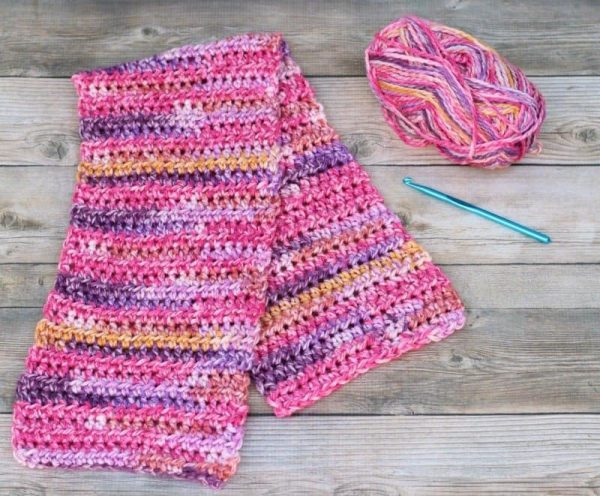 Super Simple ScarfThis list of free scarf patterns has crochet for beginners. Choose between these free crochet patterns and get to work on a project you can be proud of. #CrochetScarfPatterns #CrochetScarf #FreeCrochetPatterns