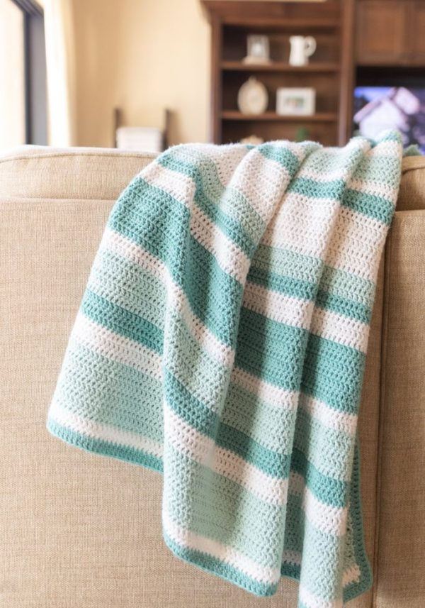 Easy All Double Crochet Baby Afghan - These free crochet afghan patterns are unique and fitting for any situation. Whether you're making a crochet baby blanket or a lapghan. #CrochetBlanketPatterns #DoubleCrochetBlankets #FreeCrochetPatterns
