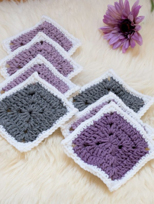 The Solid Granny Square - Crochet granny squares are so simple and fun to make. With so many free granny square patterns, you'll be stitching up a storm. #CrochetGrannySquarePatterns #GrannySquarePatterns #CrochetPatterns
