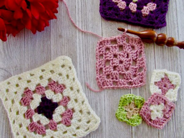 The Ultimate Granny Square - Crochet granny squares are so simple and fun to make. With so many free granny square patterns, you'll be stitching up a storm. #CrochetGrannySquarePatterns #GrannySquarePatterns #CrochetPatterns