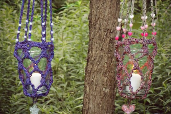 Mock-Race Hangers - Learn how to crochet using basic crochet stitches and simple patterns. These beginner crochet patterns are easy and completely free. #FreeCrochetPattern #CrochetPattern #CrochetAddict #BeginnerCrochetPatterns