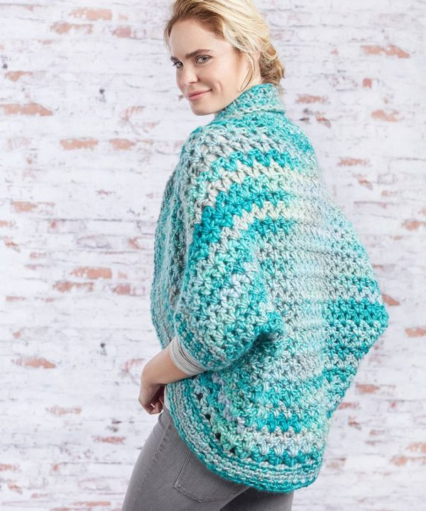 Collared Cocoon Shrug - These crochet shrugs for women are cozy, comfortable and stylish. Everything you need to punp up your Fall/Winter wardrobe. #CrochetShrug #CrochetShrugPatterns #FreeCrochetPatterns