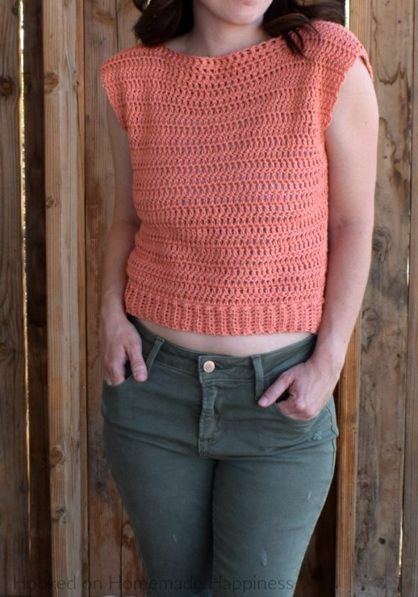 Summer Valley Crochet Top - Every one of these free crochet summer top patterns are cute and stylish. Grab a crochet hook and start making summer tops for everyone in your life. #FreeCrochetPatterns #CrochetSummerTops #CrochetSummerTopPatterns