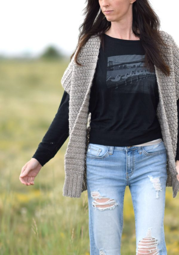 Everyday Kimono - We have put together a list of simple crochet patterns that remind us all of fall. #simplecrochetpatterns #fallcrochetpatterns #easycrochetpatterns