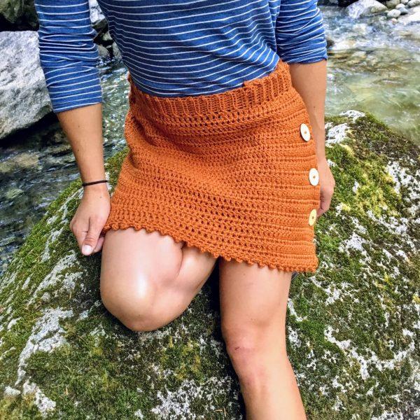 Frances Skirt Pattern - We have put together a list of simple crochet patterns that remind us all of fall. #simplecrochetpatterns #fallcrochetpatterns #easycrochetpatterns