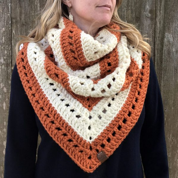 Pumpkin Scone Scarf - We have put together a list of simple crochet patterns that remind us all of fall. #simplecrochetpatterns #fallcrochetpatterns #easycrochetpatterns