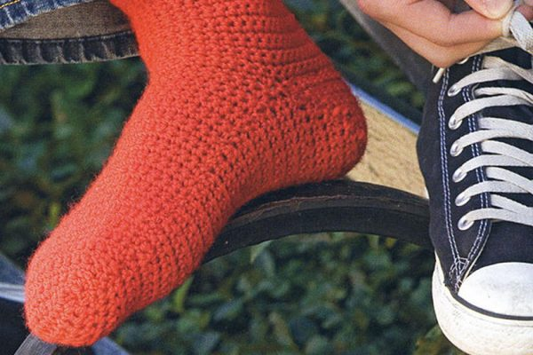 Basic Crocheted Socks - These free crochet sock patterns are the perfect gift to those who always seem to lose a pair or who prefer to keep their toes toasty at all times. #freecrochetsockpatterns #crochetsockpatterns #crochetpatterns