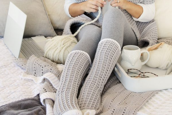 Watson Waffle Crochet Socks - These free crochet sock patterns are the perfect gift to those who always seem to lose a pair or who prefer to keep their toes toasty at all times. #freecrochetsockpatterns #crochetsockpatterns #crochetpatterns